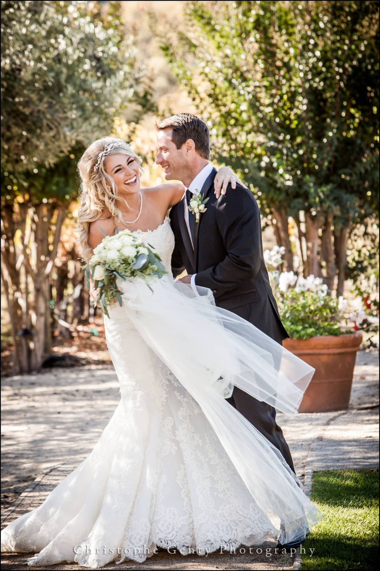 Wedding photography at Brix Restaurant in Napa, CA